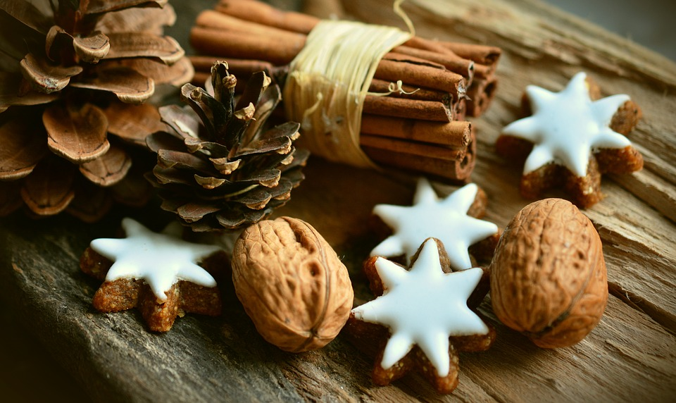 QUICK, EASY, INEXPENSIVE , NATURALLY SCENTED, GIFTS YOU and the KIDS CAN MAKE